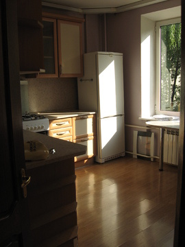Сдаю 3 комн.кв.85м евро кухня техника пустая окна-парк Ленинский просп - Фото 4