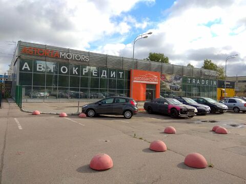 Без комиссии после автосалона часть здания с землёй под парковку - Фото 2