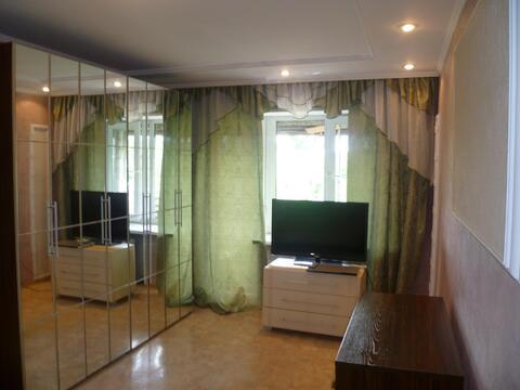 1 400 Руб., Квартира с евроремонтом в самом центре, есть всё, Квартиры посуточно в Абакане, ID объекта - 302099173 - Фото 1