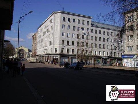 Комната в 7-комн. кв. (р-н ж/д вокзала), 4/6 эт. - Фото 2
