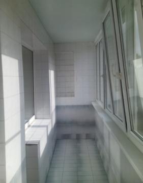 Продаётся 2-комнатная квартира, 58м2, 4/10 эт. в Октябрьском р-не - Фото 1