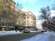 Аренда помещения 35 м2 под офис, рабочее место, м. Менделеевская в .