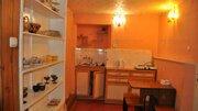 Продается двухкомнатная квартира близко к Набережной