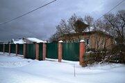Бревенчатый деревенский дом стоящий на 20 сотках.
