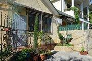 Квартира с придомовым участком 4 сотки в районе Спартака, Ялта, Крым