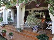 Вилла с частным бассейном на побережье Коста Бланка. Испания.