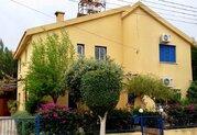 295 000 €, Просторная 4-спальная вилла в пригородном районе Пафоса, Продажа домов и коттеджей Пафос, Кипр, ID объекта - 503670985 - Фото 9