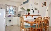Полуотдельный трехкомнатный Апартамент с видом на море в районе Пафоса, Купить квартиру Пафос, Кипр по недорогой цене, ID объекта - 329309172 - Фото 5