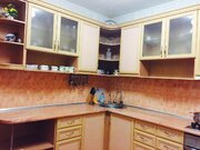 Продается четырех комнатная квартира в Ялте в спальном районе.