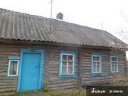 Крепкий домик в деревне у речки