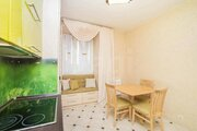 Продам 2-комн. кв. 55 кв.м. Тюмень, Карла Маркса, Купить квартиру в Тюмени по недорогой цене, ID объекта - 318463772 - Фото 2