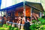 Добротный бревенчатый дом на участке 15 соток - Фото 1