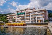 Продажа видовой квартиры в отельном комплексе на берегу моря, в Ялте
