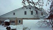 Жилой двухэтажный дом с гаражом, баней, теплицей. Стены из кирпича и . - Фото 2