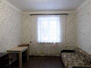 Продажа комнаты в четырехкомнатной квартире на улице Маршала Захарова, .