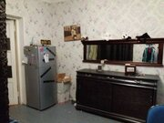 Продажа комнаты в двухкомнатной квартире на улице Асаткина, 9 во .
