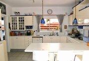 295 000 €, Просторная 4-спальная вилла в пригородном районе Пафоса, Продажа домов и коттеджей Пафос, Кипр, ID объекта - 503670985 - Фото 13