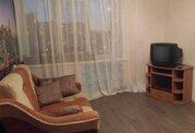 В квартире 8 комнат. Туалет на 2 семьи, душевая тоже.С мебелью (шкаф, .