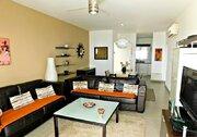 Шикарный трехкомнатный апартамент с панорамным видом на море в Пафосе, Купить квартиру Пафос, Кипр, ID объекта - 327881429 - Фото 11