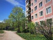 Комната 18 кв.м с балконом на б-ре Трудящихся, 39, Колпино - Фото 1