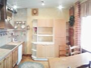 Продажа трехкомнатной квартиры на улице Воровского, 11 в Мурманске