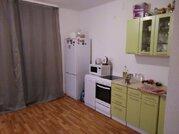Квартира, ул. Юлиуса Фучика, д.3, Купить квартиру в Екатеринбурге по недорогой цене, ID объекта - 330886037 - Фото 1