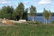 Участок у воды, на берегу озера с коммуникациями - Фото 1