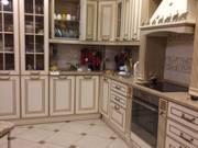 Продажа трехкомнатной квартиры на улице Сурикова, 52 в Кирове