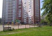 Продам трехкомнатную (3-комн.) квартиру, Софийская ул, 37к1, Санкт-.