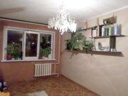 Продажа комнаты в трехкомнатной квартире на проспекте 50 лет Октября, .