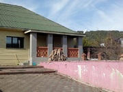 Дом-усадьба п. Манский - Фото 1