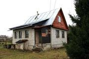 Дом в деревне рядом с водоёмом. - Фото 1
