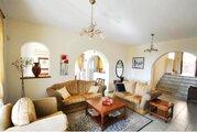 590 000 €, Шикарная 4-спальная Вилла с панорамным видом на море в районе Пафоса, Купить дом Пафос, Кипр, ID объекта - 502662087 - Фото 11