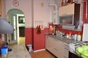 Предлагается на продажу 3-комнатная квартира в Ялте в тихом спальн
