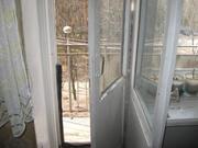 Недорого 3-комнатная квартира в пгт. Белоомут, кирпичный дом, гараж - Фото 2