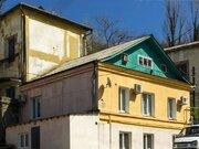 Продажа трехкомнатной квартиры на улице Пушкина, 35 в Туапсе