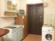 Сдам гостинку на Матросова 26, Аренда квартир в Красноярске, ID объекта - 316200780 - Фото 1