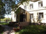 Коттедж на сутки, Дома и коттеджи на сутки в Омске, ID объекта - 502234965 - Фото 1