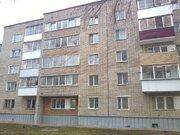 Продажа двухкомнатной квартиры на улице 60 лет Октября, 11 в Кирово