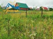 Земельный участок в деревне Комлево в 800 метрах от остановки.