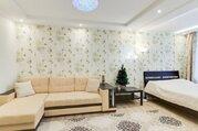 Улица Мельникова, 38, Квартиры посуточно в Екатеринбурге, ID объекта - 325275124 - Фото 1
