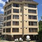Квартира 2х комнатная 50 м2 в комплексе со свей территорией и .