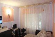 Октябрьский 61, Купить комнату в квартире Сыктывкара недорого, ID объекта - 700673690 - Фото 1