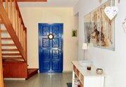 295 000 €, Просторная 4-спальная вилла в пригородном районе Пафоса, Продажа домов и коттеджей Пафос, Кипр, ID объекта - 503670985 - Фото 11