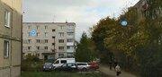 Продаю трехкомнатную квартиру во 2 микрорайоне., Купить квартиру в Бору по недорогой цене, ID объекта - 325180582 - Фото 1