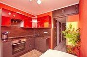 Продам трехкомнатную (3-комн.) квартиру, Савушкина ул, 107 к1, Санк.