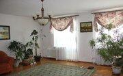 Улица Коммунальная 10; 3-комнатная квартира стоимостью 30000 в месяц .