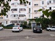 Продаётся 2-х комнатная квартира с хорошим расположением дома - Фото 1