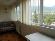 Продается трехкомнатная квартира в Ялте по улице Мисхорская.