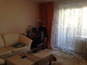 Продается трехкомнатная квартира в кирпичном доме по ул.Лескова. .